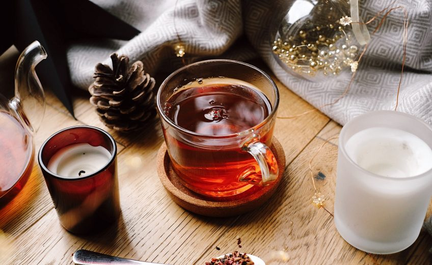 Achtsamkeitsübung-Teezeremonie-Bio-Tee